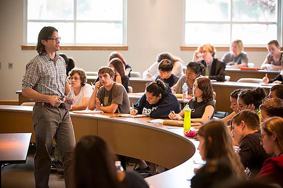 Chemistry Professor John Unger teaches class in Juniata College's Neff Lecture Hall