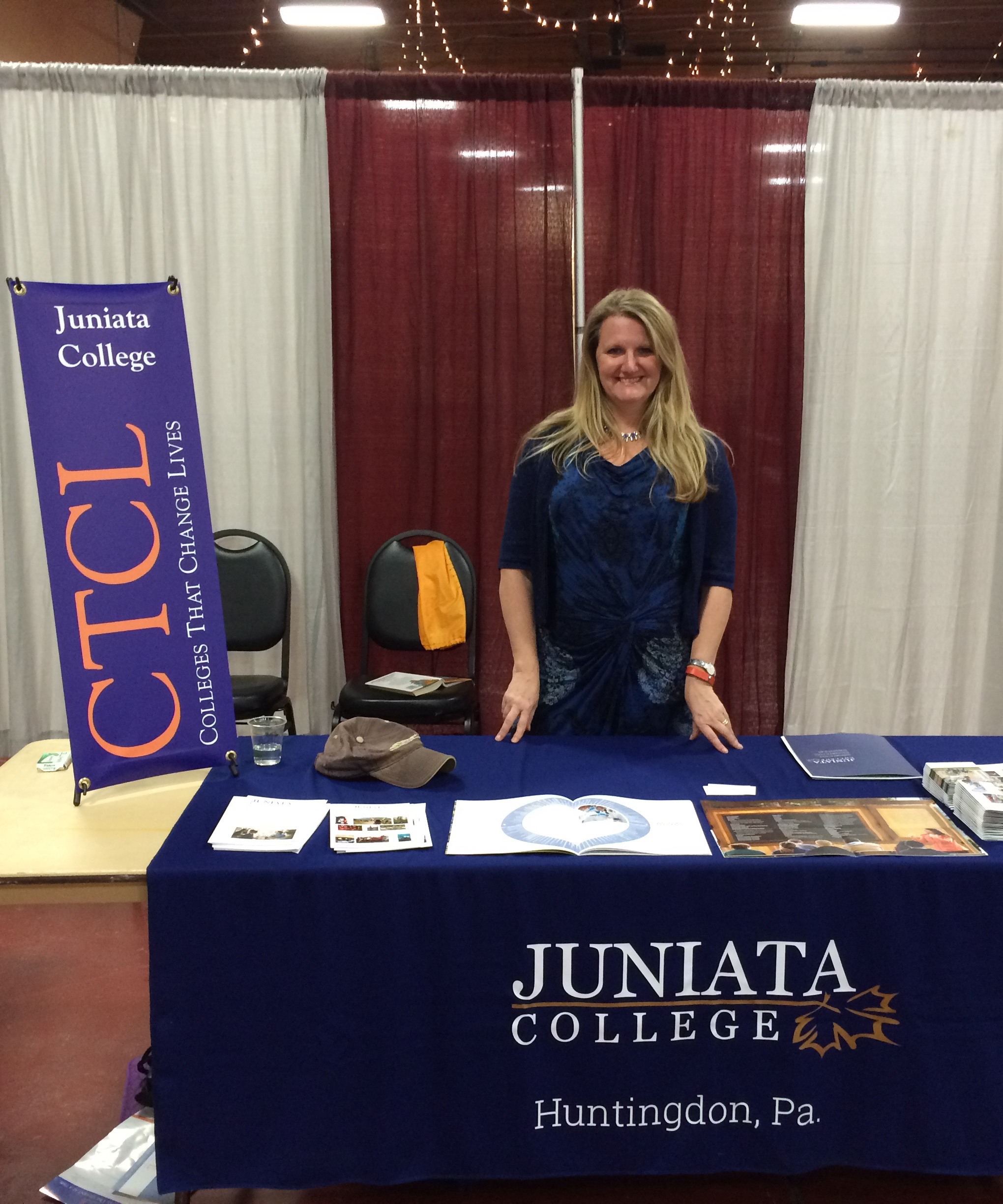 Jeanette Zalder representing Juniata College at a College Fair