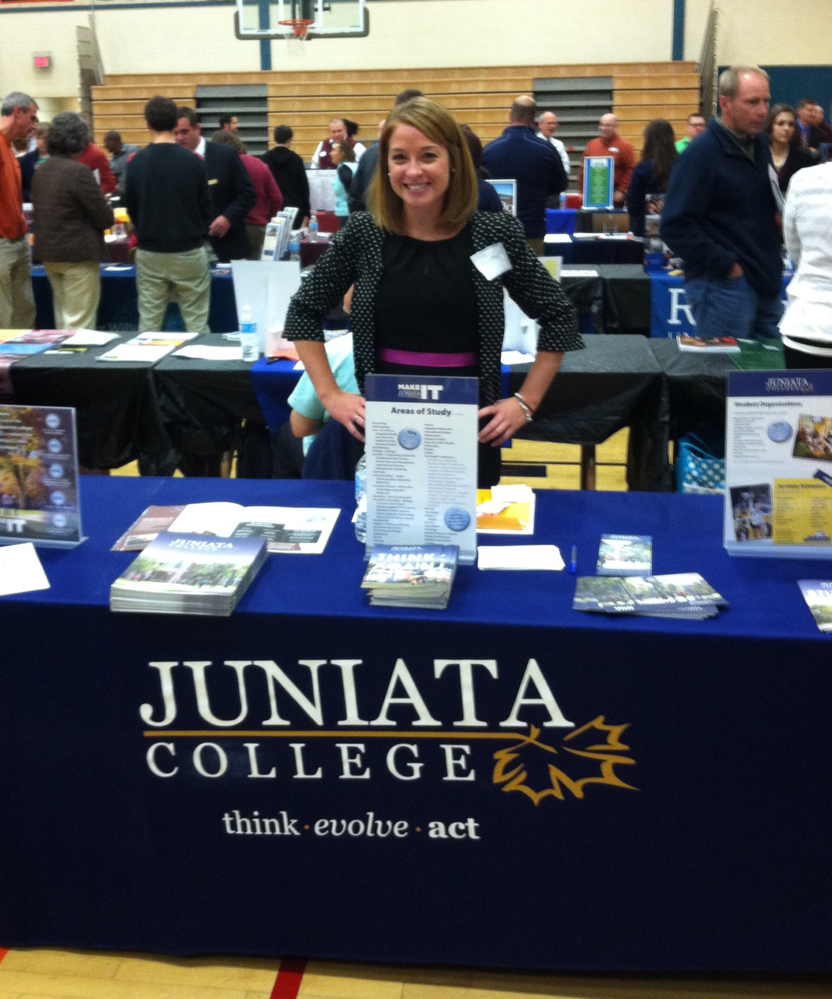 Lindsay representing Juniata College at a College Fair