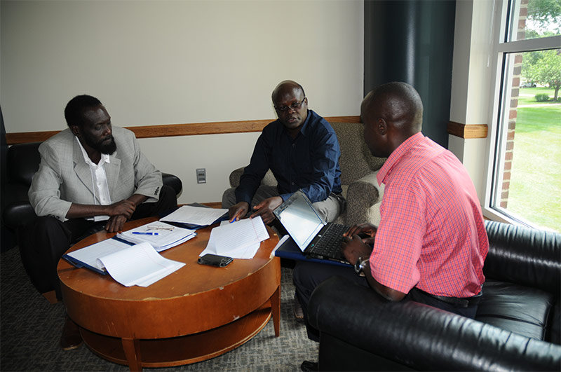 Kenya-Group-Working-in-Small-Groups-001