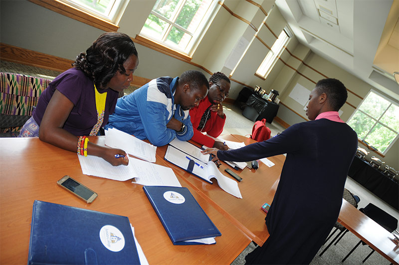 Kenya-Group-Working-in-Small-Groups-008