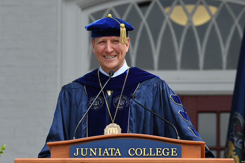 Commencement Candid Photos 0234