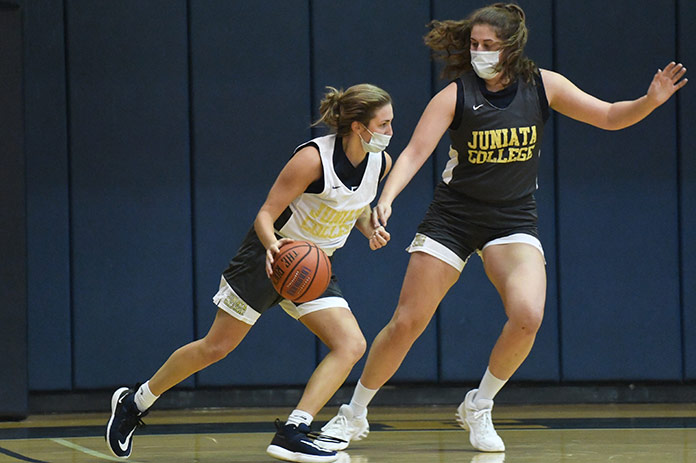 Women's Basketball practice