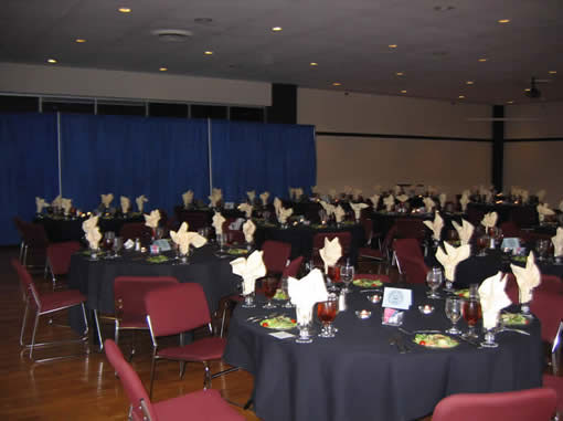 Alumni Dinner in the Ballroom of Ellis Hall junaita college